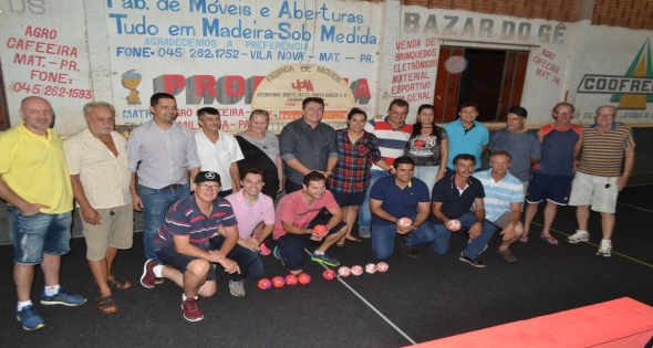 Inauguração de Carpe da Cancha de Bocha em Agro Cafeeira