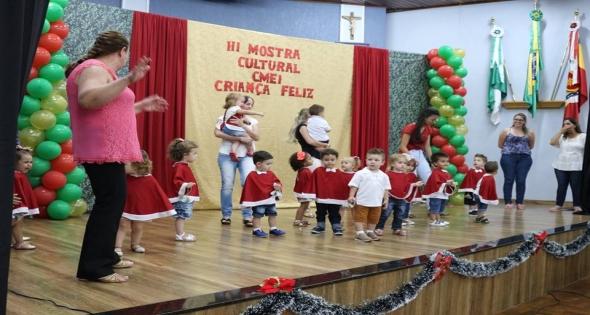 Noite Festiva Cmei Criança Feliz