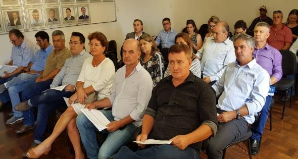 Prefeito Rineu Menoncin participa da Assembléia Geral da Acispar
