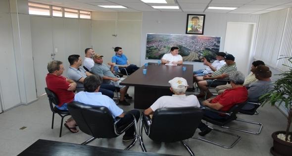 Reunião no gabinete com os moradores da comunidade ouro verde