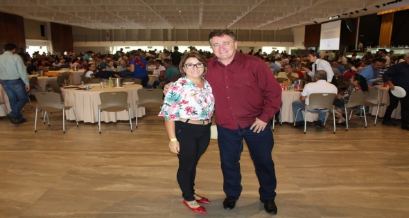 Prefeito Texeirinha participou da assembleia da Lar