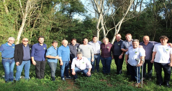 Matelândia defende a abertura da estrada parque caminho do colono