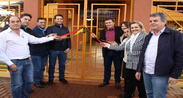 Inaugurada a Escola Municipal do Campo Professor Ebehardo