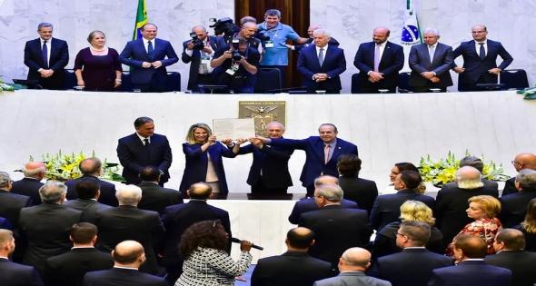 Prefeito Rineu Menoncin participa de posse da Vice Governadora