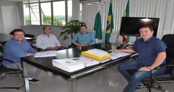 Prefeito Rineu Menoncin recebe Prefeito Júnior Weiller  Jesuitas