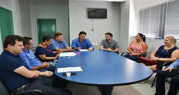 Prefeito Rineu Menoncin participa de assembleia do CISI