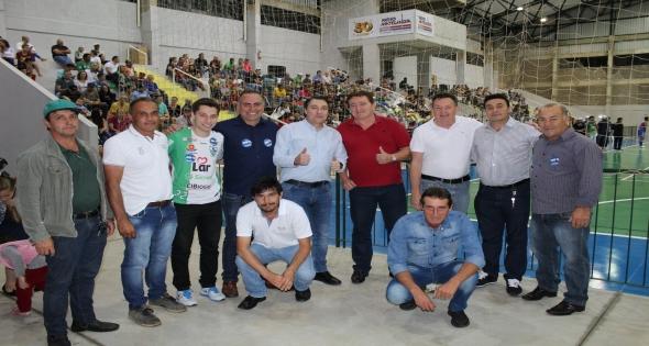 Poliesportivo de Matelândia tem seu Primeiro Jogo