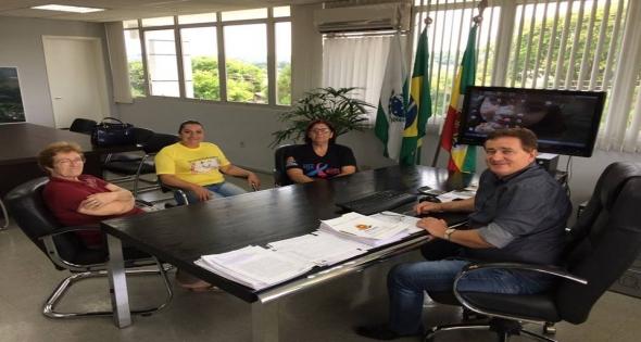 Prefeito Teixeirinha Anuncia Reajuste Salarial dos Servidores