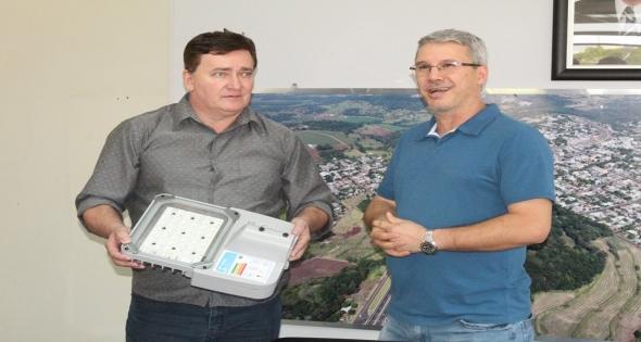 Matelândia adquire 100 Lâmpadas de Led Philips