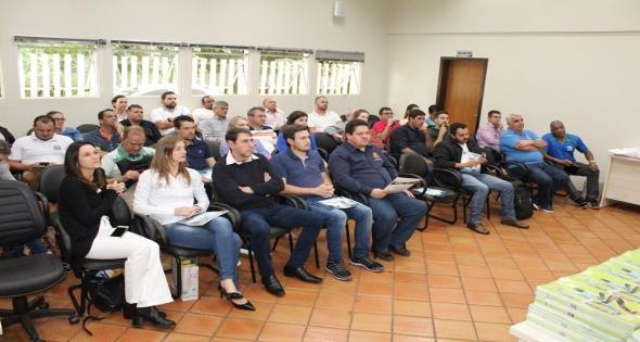 Representantes de Matelândia participam de reunião