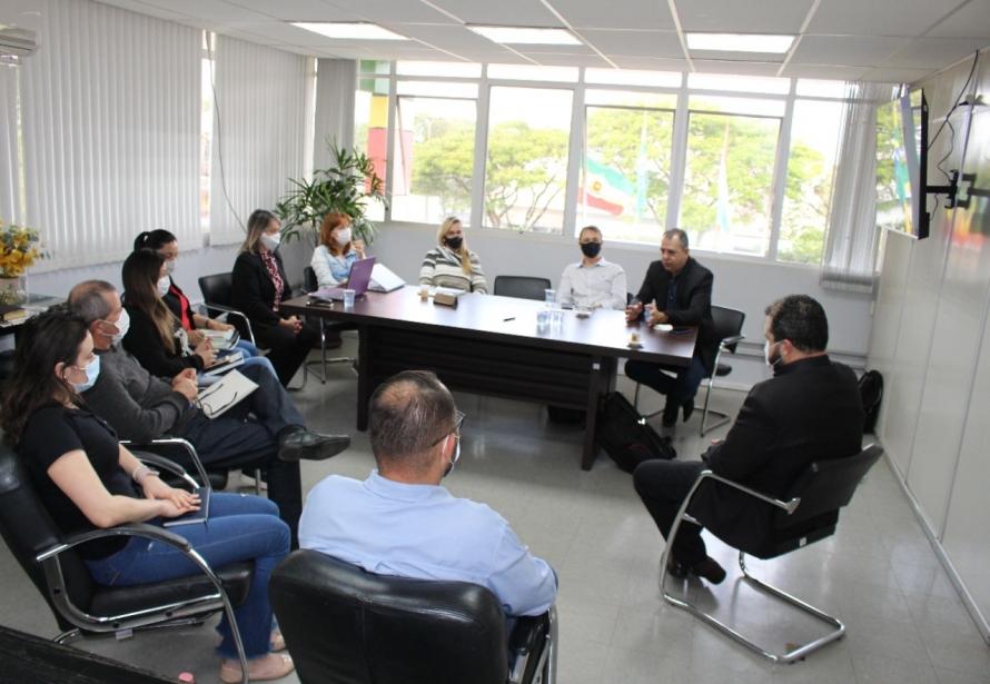 Encontro de representantes do Sebrae e comitê gestor para alinhamento de ações do Programa Cidade Empreendedora